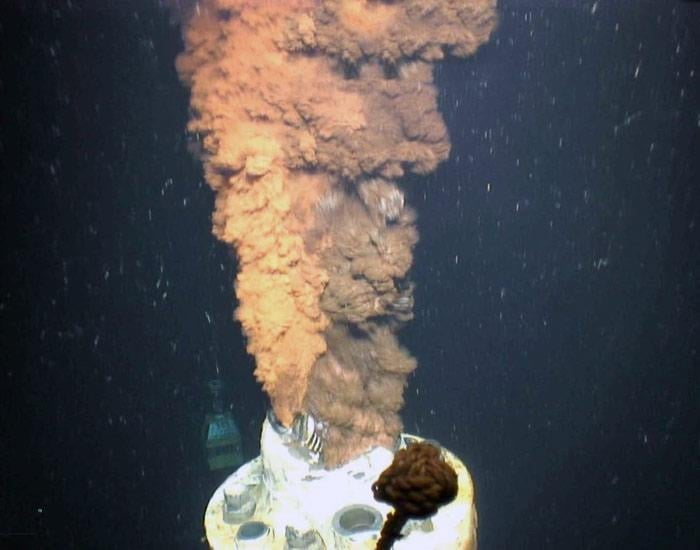 Macondo wellhead spewing oil and gas. Photo credit: U.S. Geological Survey